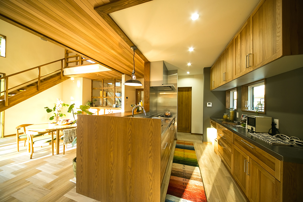 木の家と相性のいいWOODONEのキッチン。