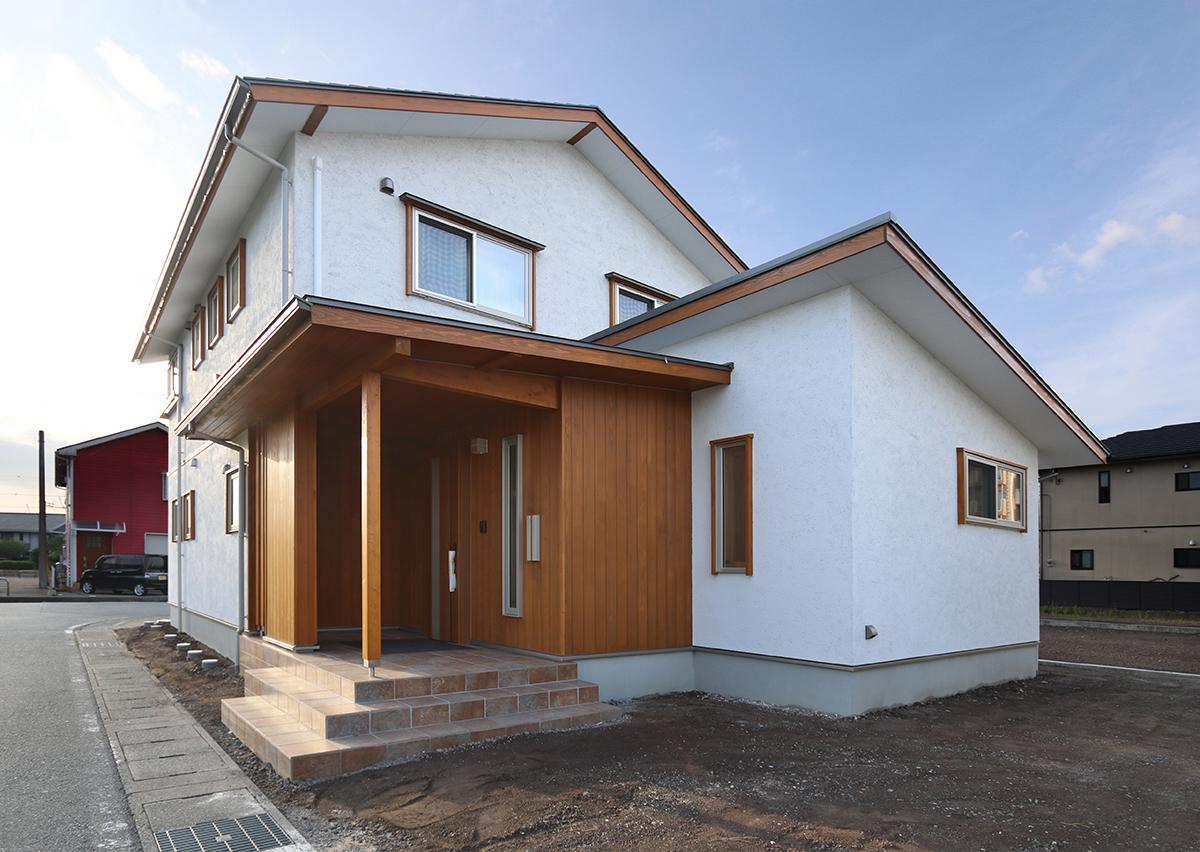 LDKにひと工夫 すべて国産材を使った上質な木の家 富士市・U様邸